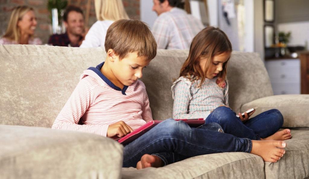 Ekran Çocuk Ebeveyn İlişkisi