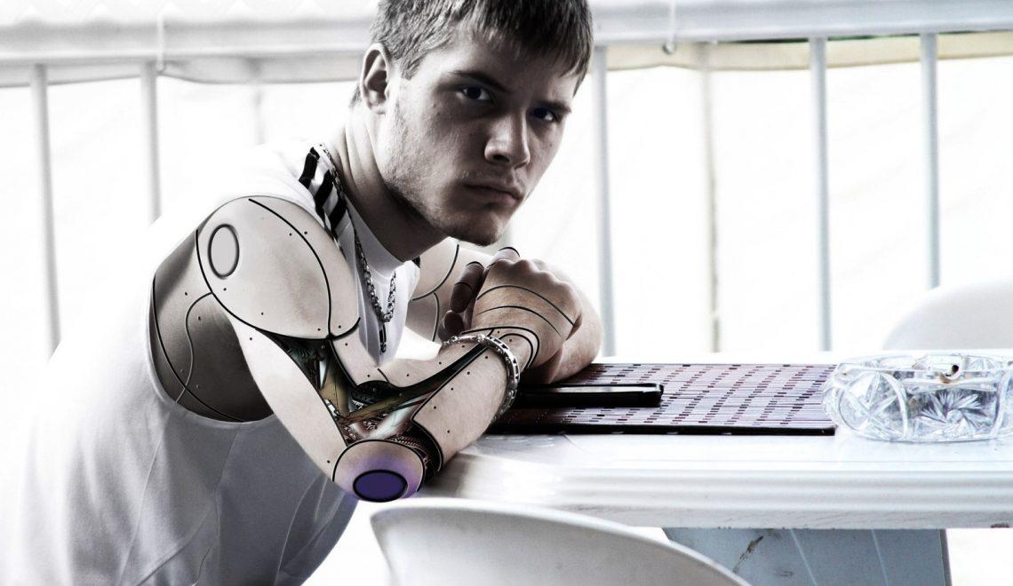 Makinelerle Birleşmenin Eşiğindeyiz
